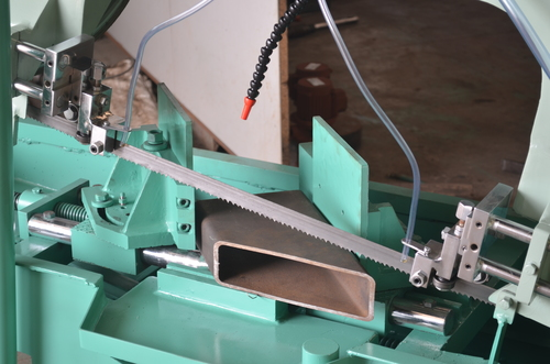 Angular Cutting Bandsaw Machine
