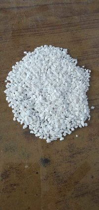 Washed white marble chips and aggregate
