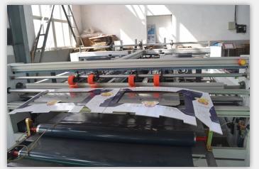 Two Piece Semi Carton Folding Gluing Machine For Carton Box Corrugated Paperboard