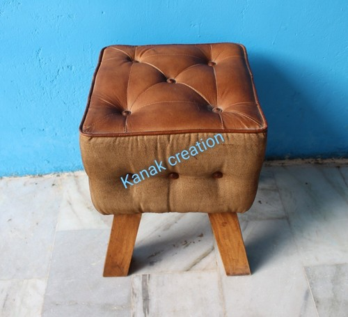 LUXURY AGED LIGHT BROWN LEATHER FOOTSTOOL WITH WOODEN LEGS