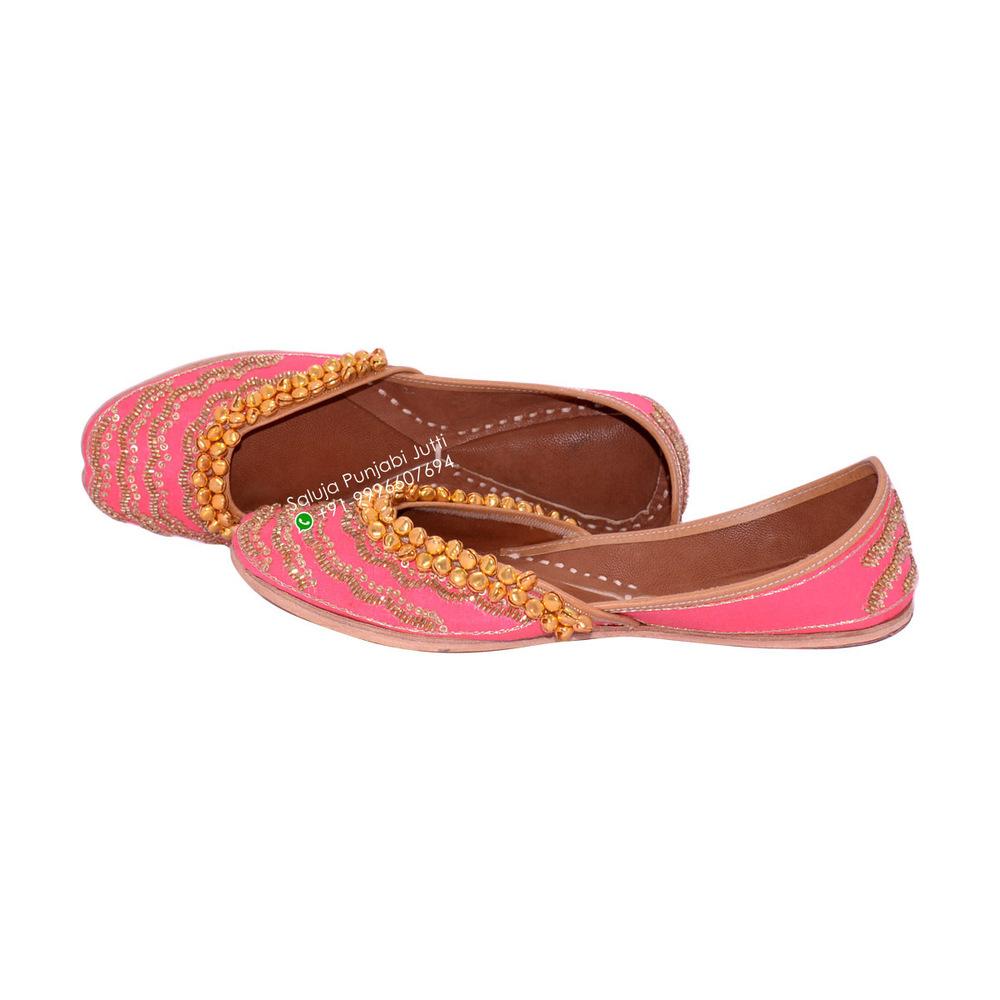Pink Women Leather Ghungroo Punjabi Jutti