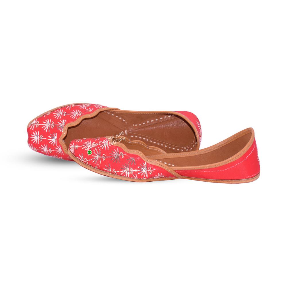 Punjabi Jutti Ethnic Red color for woman