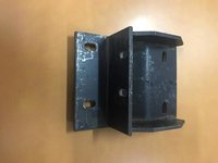 FRONT ENGINE MOUNTING BRACKET CHAIR TYPE L.H TYPE