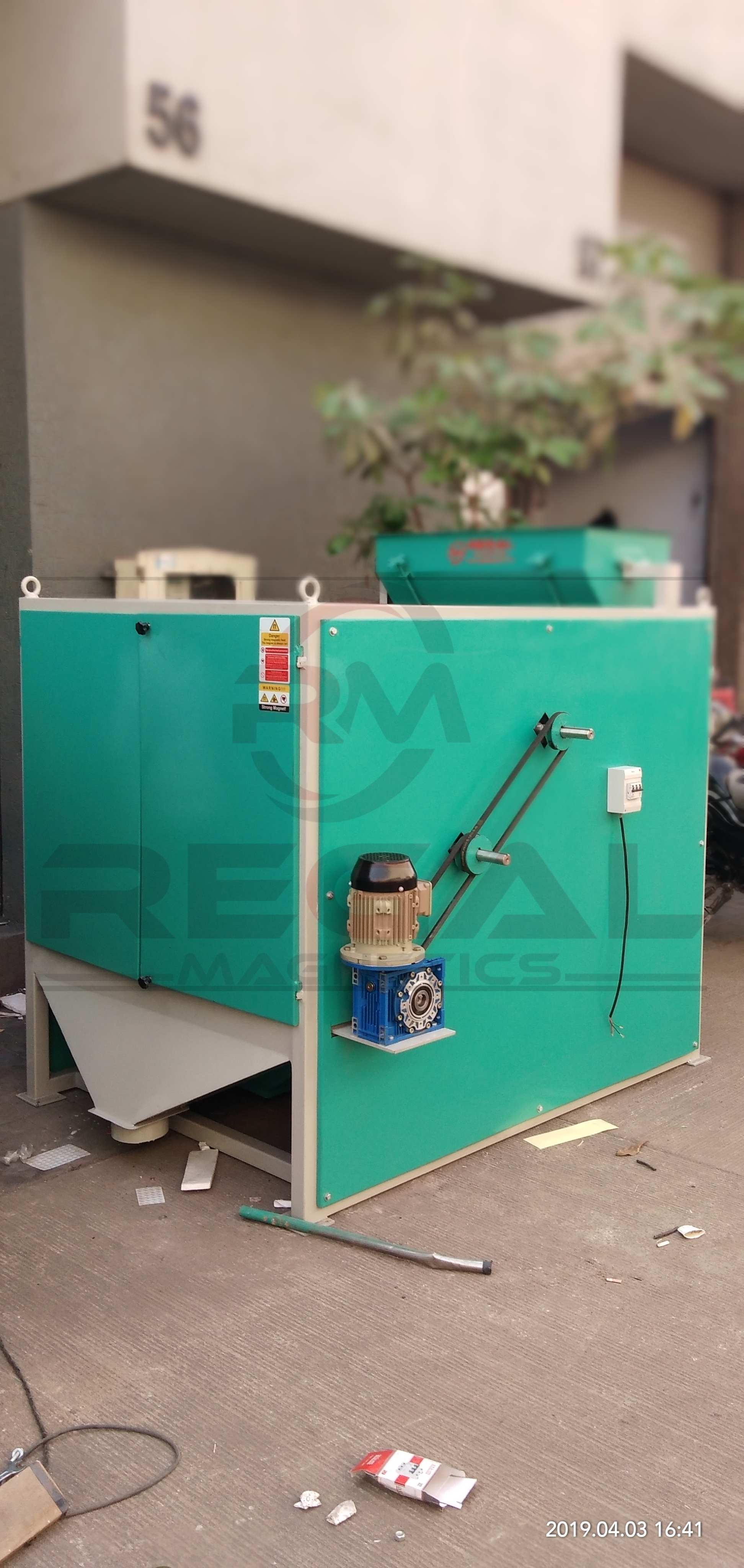 Double Roller Type Magnetic Separator