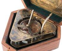 Sundial Compass – Triangular Shape