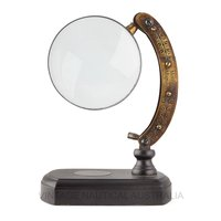 Magnifying Glass – Engraved Arm (Wood Base)