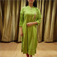 Ladies Rayon Green Kurti