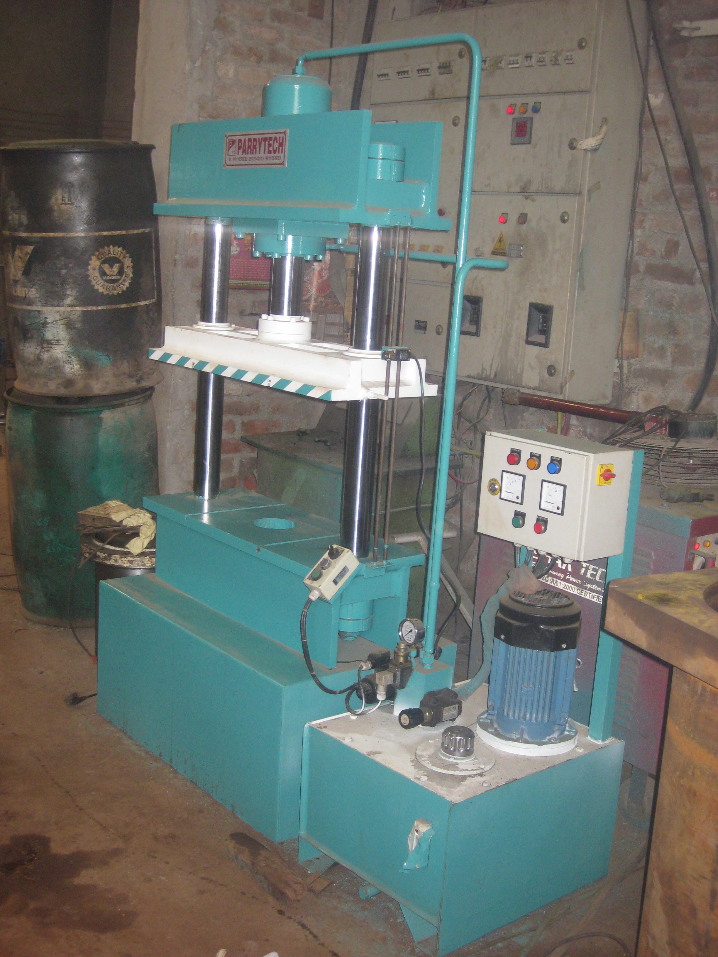 S. S. Kitchen Sink Hydraulic Deep Draw Press