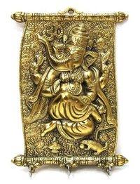 colender ganesh key statue