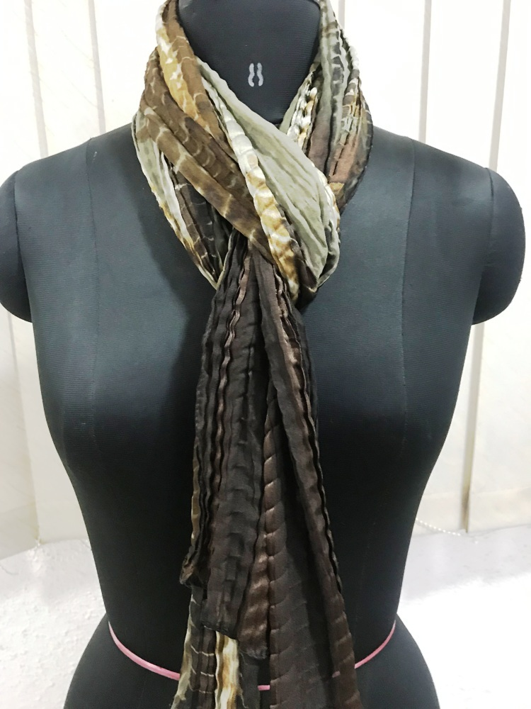 Pleated scarves