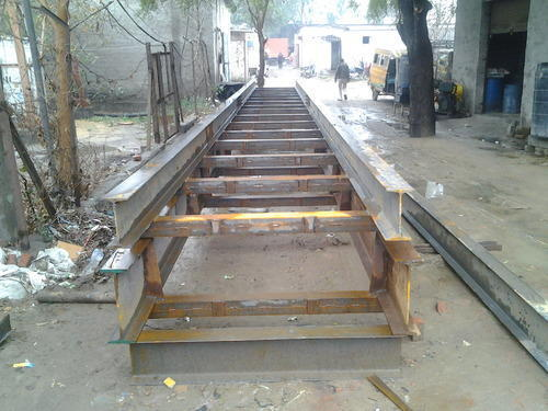 Tress Bench For Electric Pole