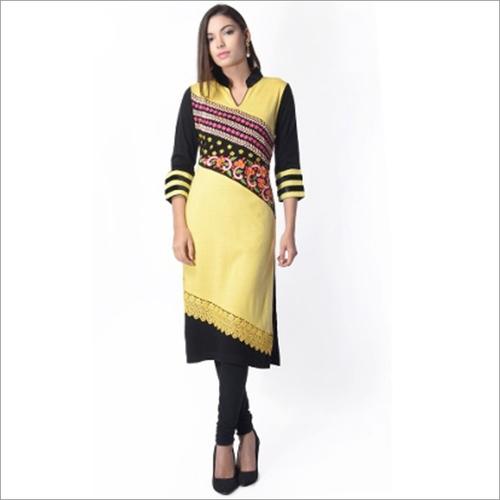 Ladies 3/4 Sleeve Printed Woolen Kurti