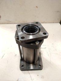 Wartsila L38 Main Bearing Cap Hydraulic Jack