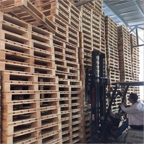 Four ways wooden Pallet
