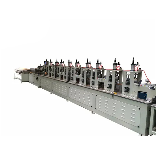 Paper angle board forming machine