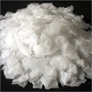 White Sodium Hydroxide Flakes
