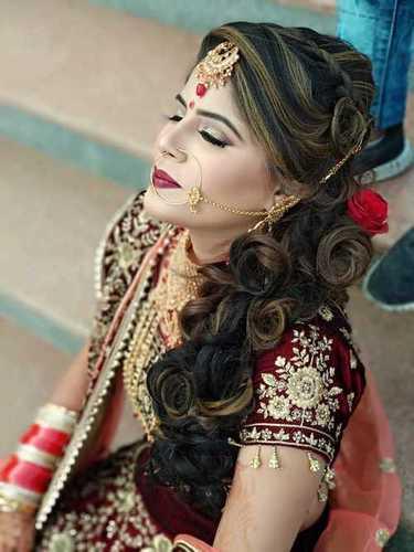 Classic Bridal Hairdo