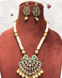Long Kundan Pendant Necklace Set