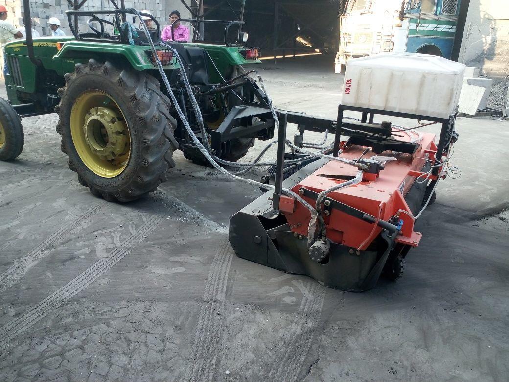 Road Sweeping Machine