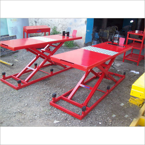 Two Wheeler Hydraulic Ramp