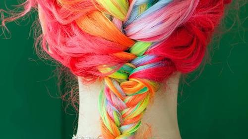 Hot dyes