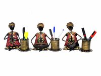 Home Decor Black Golden Painted Musician Pen Stand