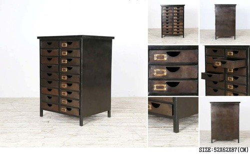 18 DRAWER CHEST