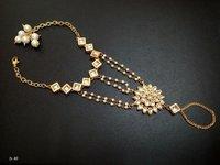 Bracelet & Handharness