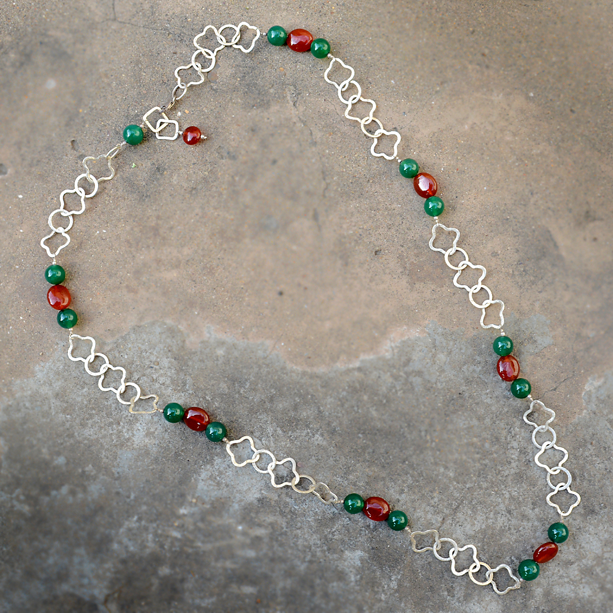 925 Sterling Silver, Handmade Jewelry Manufacturer Green & Red Onyx, Lobster-Claw Hook Jaipur Rajasthan India Necklace