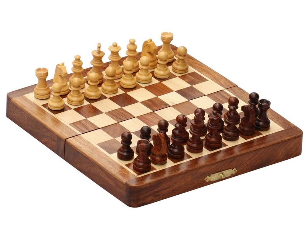 Handmade Wooden Magnetic Chess Set