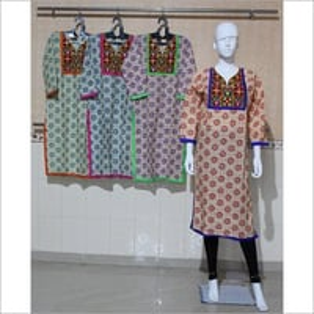 Women Embroidered Cotton Kurti