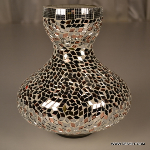 Matki Shape Glass Flower Vase