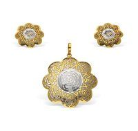 Circular Flower Shape Pendant Set