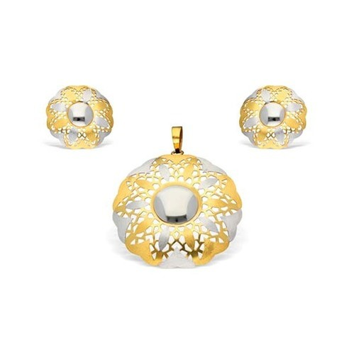 Circular And Flower Shape Pendant Set