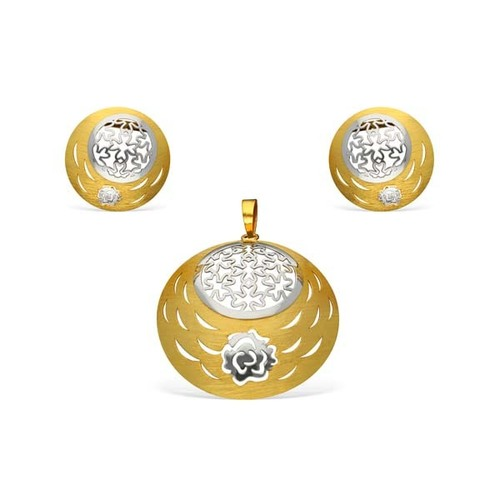 Beautiful Cuts Design Pendant Set