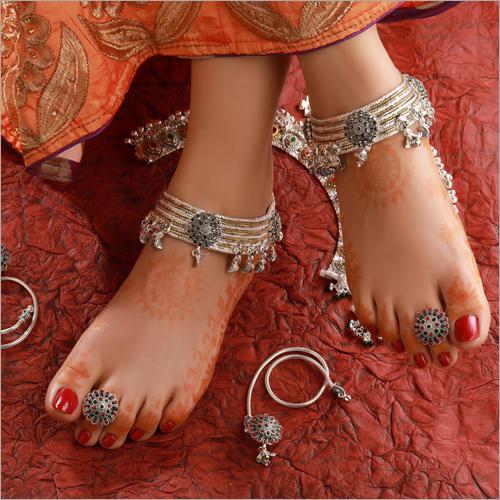Ladies Silver Bichiya