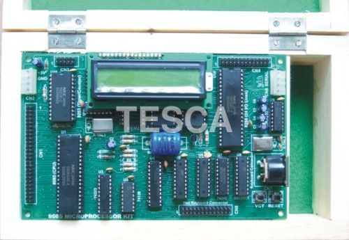 Microprocessor Trainer Kit with LCD
