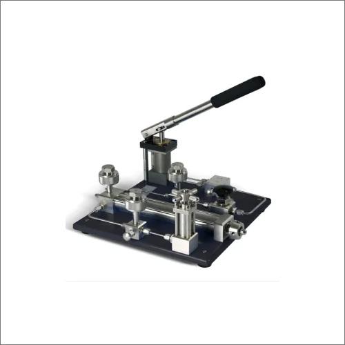 Pneumatic Pressure Comparator