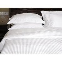 polyfill white quilt