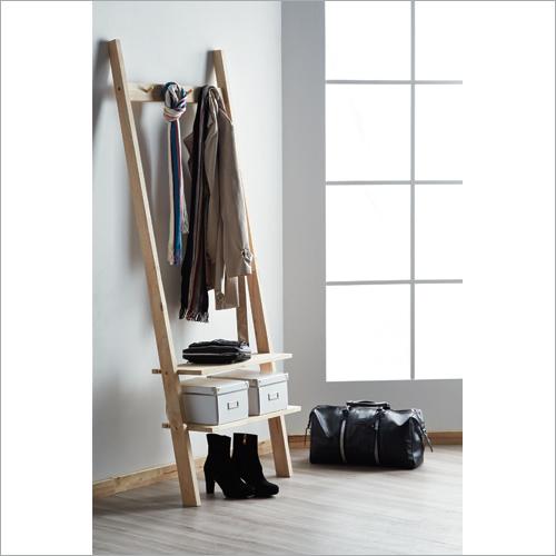Wooden Geneva Cloth Hanger