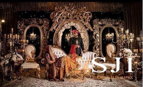 Golden Theme Wedding Stage