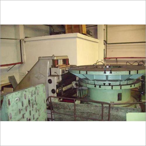 Gear hobbing machine for high precision gears 544M
