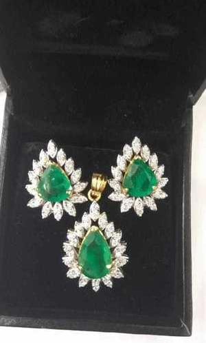 Emerald Earring and Pendant