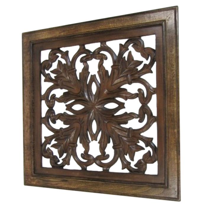 Leafs Design Wooden Wall Hanging