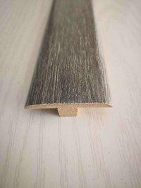 Wood moulding for door decoration