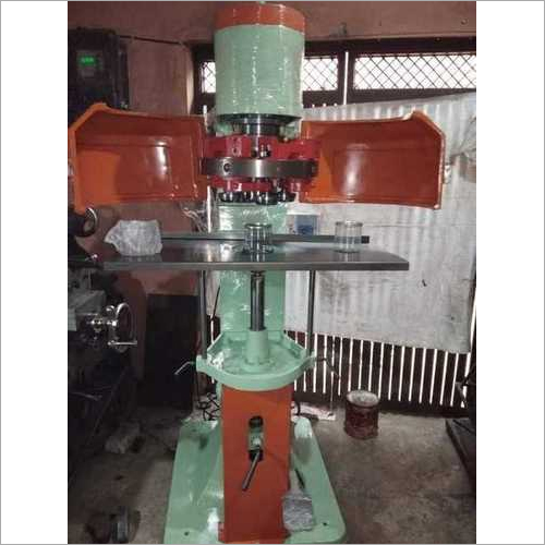 Pet can seaming machine