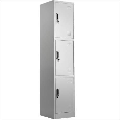 03 Steel locker