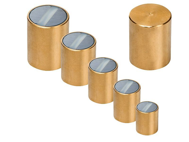 Pot magnets with brass