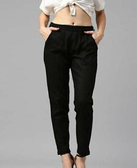 Women Solid Pencil Pants