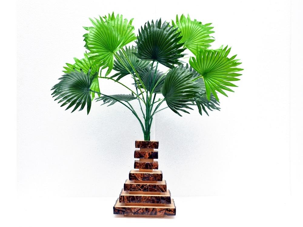 Fancy Wooden Flower Vase